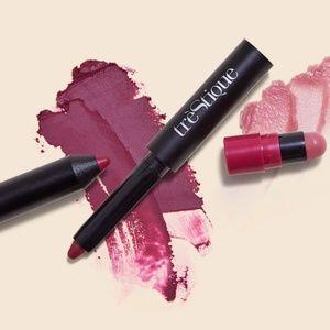 🆕️TRÈSTIQUE  Matte Color + Shiny Balm Lip Crayon